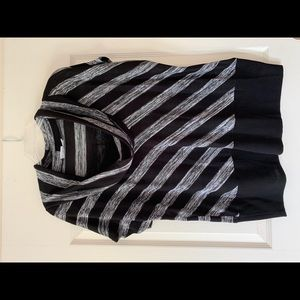 Sweaters - Women's shortsleeved sweater top